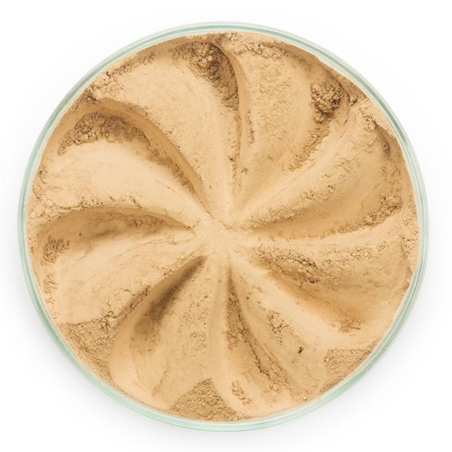 ERA MINERALS Основа тональная минеральная 336 / Mineral Foundation, Flawless 7 грТональные основы<br>Основа Flawless предназначена для нормальной и склонной к жирности кожи, обеспечивает умеренное покрытие с матирующим эффектом. Без отдушек и масел, для всех типов кожи&amp;nbsp; Водостойкое, долгосрочное покрытие&amp;nbsp; Широкий спектр фильтров UVB/UVA, протестированных при SPF 30+&amp;nbsp; Некомедогенно, не блокирует поры&amp;nbsp; Дерматологически протестировано, не аллергенно Антибактериальные ингредиенты, помогает успокоить раздраженную кожу&amp;nbsp; Состоит из неактивных минералов, не способствует развитию бактерий&amp;nbsp; Не тестировано на животных&amp;nbsp; Минеральная тональная основа Era Minerals заменит любой тональный крем, поскольку создает безупречное покрытие, обеспечивая естественный вид; разглаживает и выравнивает тон кожи, аккуратно скрывая ее недостатки, а при нанесении в несколько слоев остается невесомой и стойкой. Она состоит из природных минеральных пигментов, обеспечивая поддержание здоровья кожи, защищает от солнечного воздействия, предотвращая появление солнечных ожогов и раннее старение кожи. Выберите подходящую для вас формулу минеральной основы   разработанную индивидуально для каждого типа кожи. Эти формулы различаются по интенсивности покрытия и завершению макияжа. Активные ингредиенты: слюда (CI 77019), оксид цинка (CI 77947), диоксид титана (CI 77891), лаурил лизин. Может содержать (+/-): оксиды железа (CI 77489, CI 77491, CI 77492, CI 77499). При производстве этого отттенка не использовались продукты животного происхождения.&amp;nbsp; В состав нашей минеральной косметики НЕ ВХОДЯТ: хлорокись висмута, тальк, силиконы, парабены, ГМО, нефтехимические вещества, фталаты, сульфаты, ароматизаторы, синтетические красители или наночастицы. Способ применения: Перед нанесением минеральной косметики кожа должна быть чистой и хорошо увлажненной, но сухой на ощупь.&amp;nbsp; Опционально можно использовать&amp;nbsp;Базу под макияж, чтобы подг