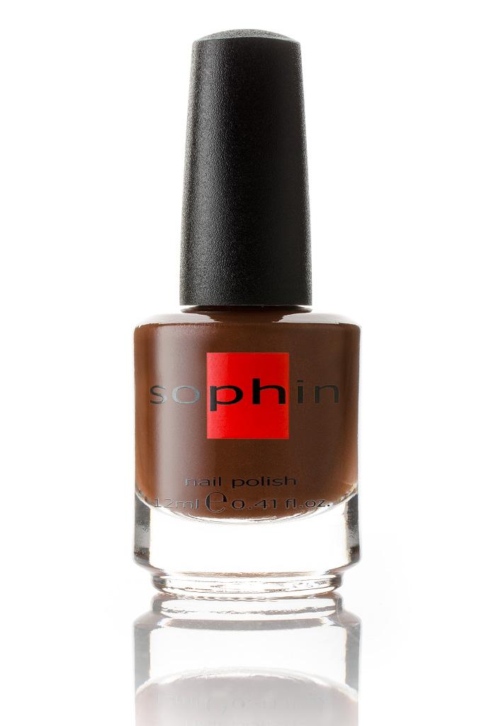 SOPHIN Лак для ногтей, шоколадно-коричневый с микроперламутром 12млЛаки<br>Коллекция лаков SOPHIN очень разнообразна и соответствует современным веяньям моды. Огромное количество цветов и оттенков дает возможность создать законченный образ на любой вкус. Удобный колпачок не скользит в руках, что облегчает и позволяет контролировать процесс нанесения лака. Флакон очень эргономичен, лак легко стекает по стенкам сосуда во внутреннюю чашу, что позволяет расходовать его полностью. И что самое главное - форма флакона позволяет сохранять однородность лаков с блестками, глиттером, перламутром. Кисть средней жесткости из натурального волоса обеспечивает легкое, ровное и гладкое нанесение. Big5free! Активные ингредиенты. Состав: ethyl acetate, butyl acetate, nitrocellulose, acetyl tributyl citrate, isopropyl alcohol, adipic acid/neopentyl glycol/trimellitic anhydride copolymer, stearalkonium bentonite, n-butyl alcohol, styrene/acrylates copolymer, silica, benzophenone-1, trimethylpentanedyl dibenzoate, polyvinyl butyral.<br><br>Цвет: Коричневые