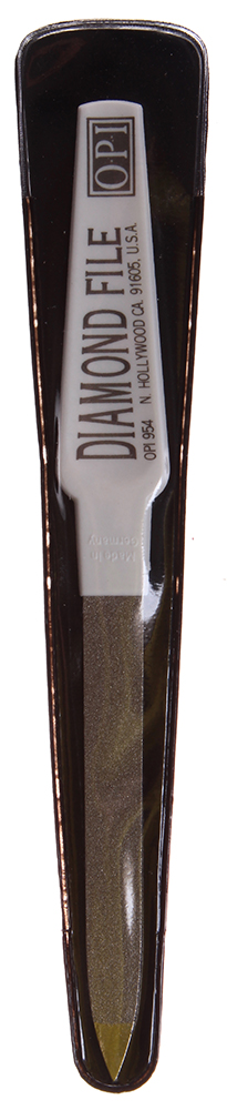 OPI Пилочка с алмазной крошкой для натуральных ногтей / Diamond Coated FileПилки для ногтей<br>Пилка Diamond Coated File OPI предназначена обработки натуральных ногтей. Пилочка с алмазной крошкой Diamond Coated File от ОПИ, имеет алмазное покрытие, обеспечивающее комплексный уход за ногтями и тщательную обработку поверхности ногтевой пластины. Diamond Coated File придает ногтям великолепный вид, благодаря ультра мягкому и тонкому покрытию из стали фирмы Золинген, способного деликатно выравнивать поверхность ногтя. Может использоваться для укорачивания длины ногтей, для сглаживания царапин на их поверхности, а так же при педикюре. Пилочка с алмазной крошкой может быстро придать нужную форму ногтевой пластине. Пилка последовательно обрабатывает ногти, предотвращая их расслаивание. Уникальное покрытие надежно и качественно ухаживает за ногтями. Особенно продуктивно действие пилки в руках профессионалов. Пилку можно подвергать дезинфицирующим процедурам. Активный состав: Сталь фирмы Золинген. Абразивный слой с алмазной крошкой. Применение: Рекомендуется для профессионального маникюра и педикюра. Может использоваться как в салонах, так и в домашних условиях.<br>