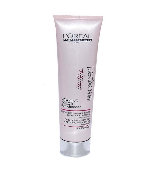 LOREAL PROFESSIONNEL Шампунь для окрашенных волос / Vitamino Color AOX 150млШампуни<br>Vitamino Color AOX Мягкий шампунь без сульфатов для защиты и сохранения цвета окрашенных волос. Концентрированная формула с мягкими моющими веществами. Кремообразная текстура превращается в густой мусс и деликатно избавляет волосы от загрязнений. Благодаря защите от вымывания цвет окрашеных волос сохраняется более длительное время. Волосы приобретают дополнительный блеск и шелковистоть. Не утяжеляет волосы. Способ применения: нанести на влажные волосы вспенить, затем смыть теплой водой, при необходимости повторить.<br><br>Объем: 150 мл<br>Типы волос: Окрашенные