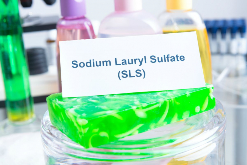 noxious-additives-cosmetics-sls-laboratory-chemical-sodium-lauryl-sulfate-ss.jpg